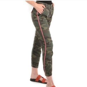 SUNDRY Striped Trim Camo Zip Jogger Pants In Army